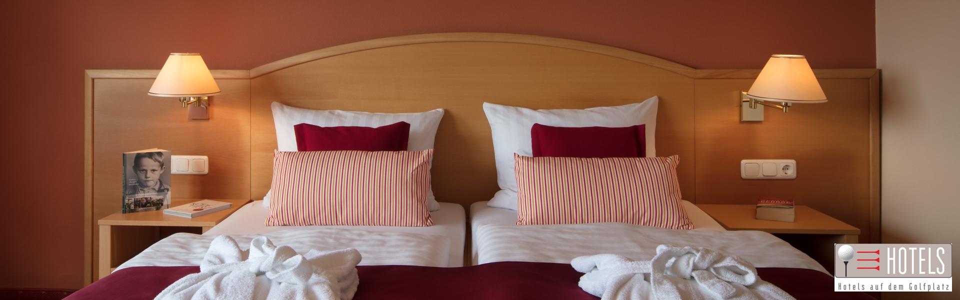 Zimmer mit Doppelbett im Golf- und Landhotel Anetseder 1920x600_72